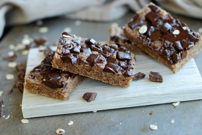 Chocolate chip oatmeal bars //Baka Sockerfritt